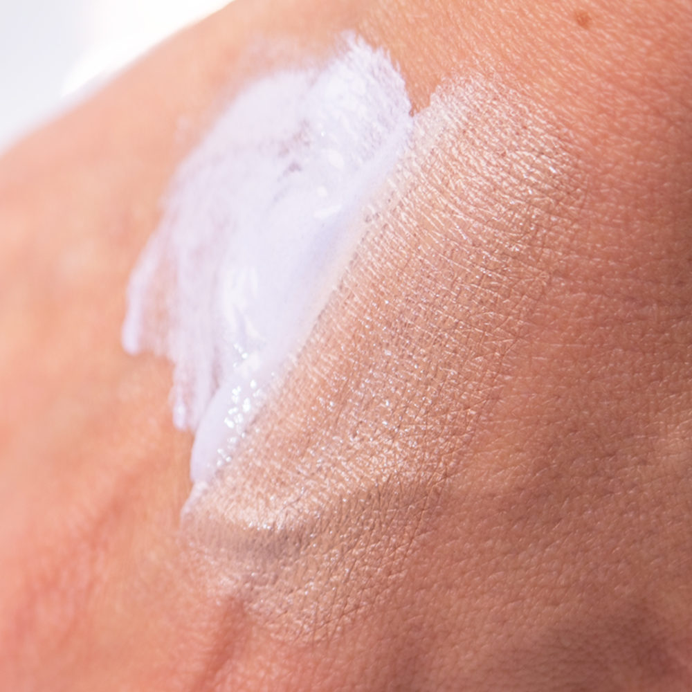 Textur der getönten Tagescreme M1 SELECT CC Cream SPF20